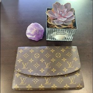 Louis Vuitton Monogram Wallet/Clutch